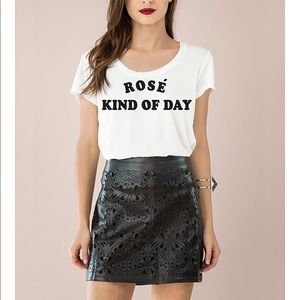 Rose kind of day Graphic T-shirt